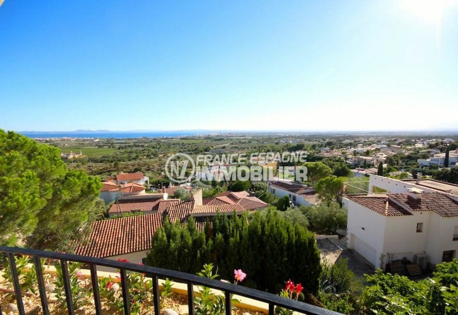maison a vendre a rosas, proche plage, vue magnifique sur la mer depuis la terrasse