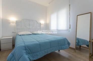 achat appartement rosas, proche plage, première chambre avec lit double
