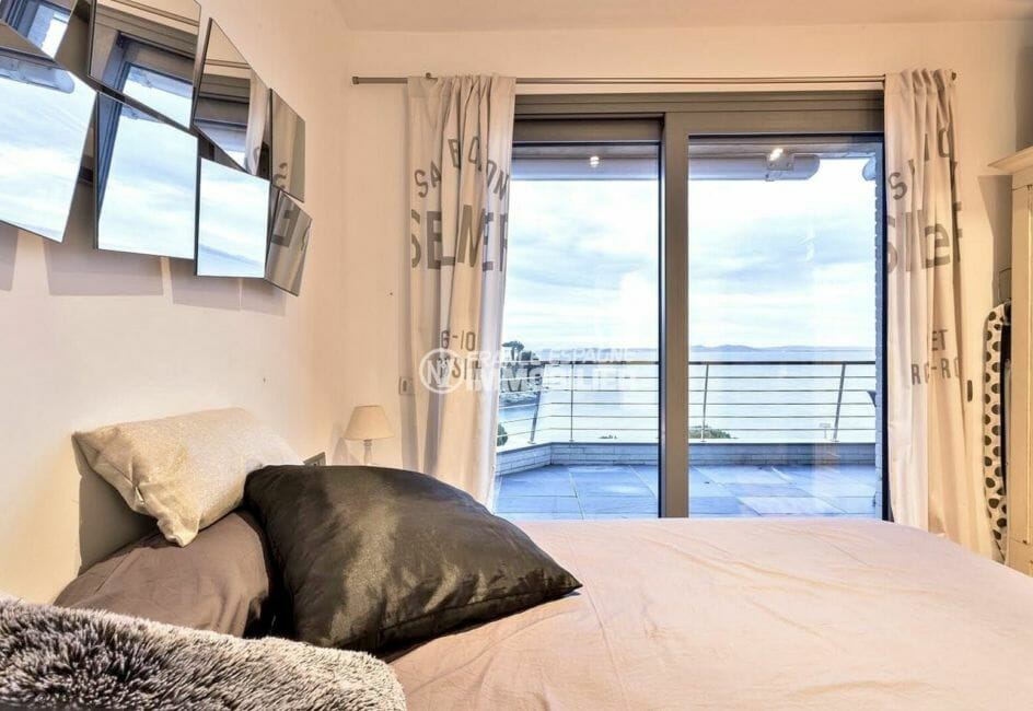 acheter appartement rosas, front de mer, suite parentale avec salle de bains attenante