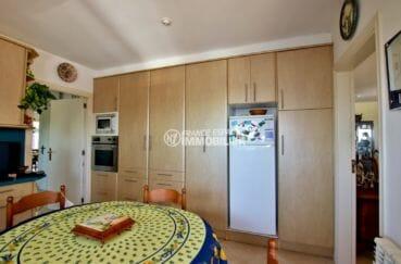 maison a vendre espagne bord de mer, ref.3930, cuisine indépendante équipé avec nombreux rangements