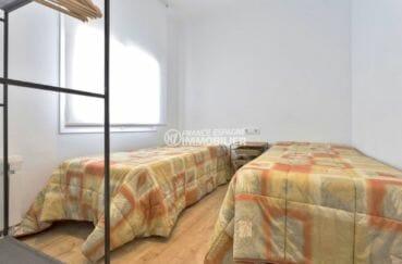 acheter appartement rosas, secteur prisé, deuxième chambre avec 2 lits simples