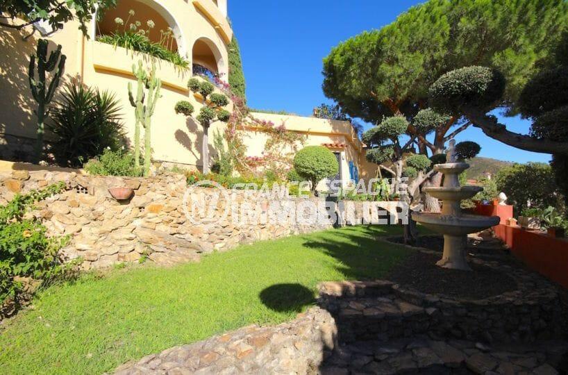 rosas immobilier: villa 216 m² construit, sur un terrain de 791 m² avec piscine