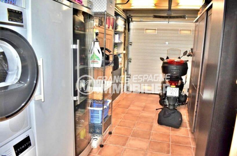 la costa brava: villa 107 m², garage avec espace buanderie et rangements