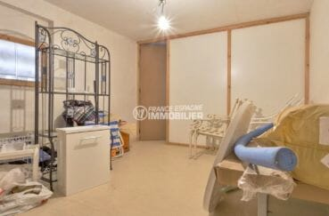 immocenter roses: appartement 73 m², aperçu de la cave avec wc