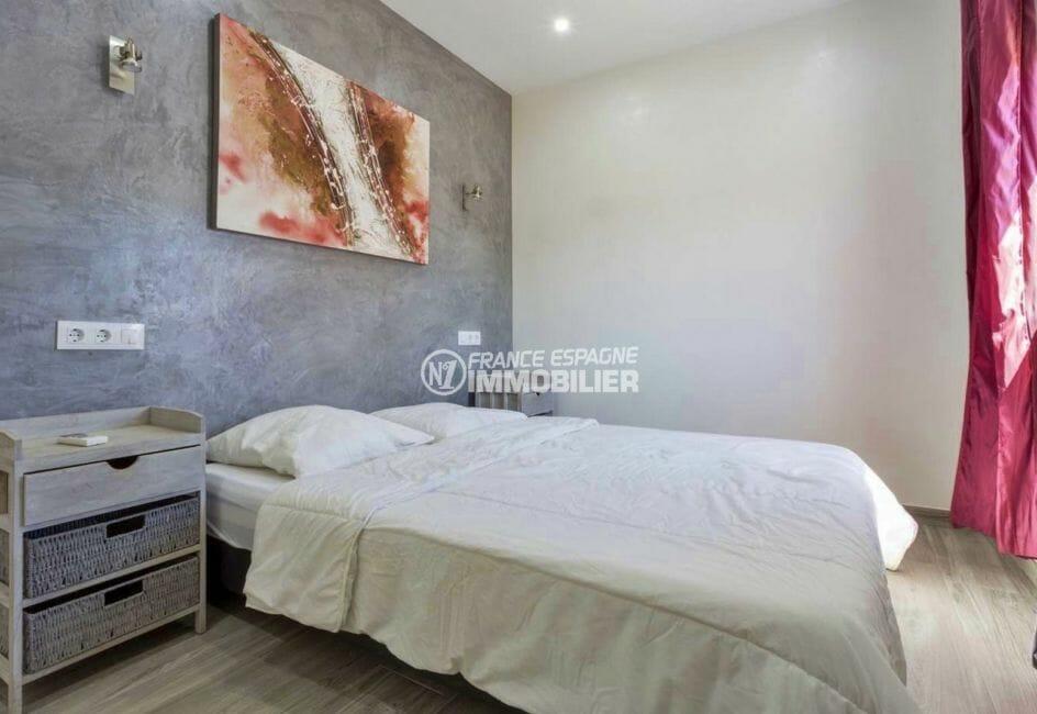maison a vendre espagne bord de mer, proche plage, première chambre avec lit double