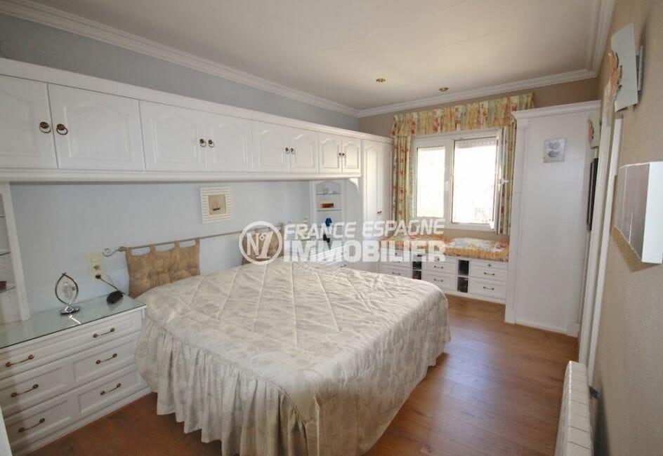 achat maison rosas espagne, appartement indépendant, suite parentale avec lit double