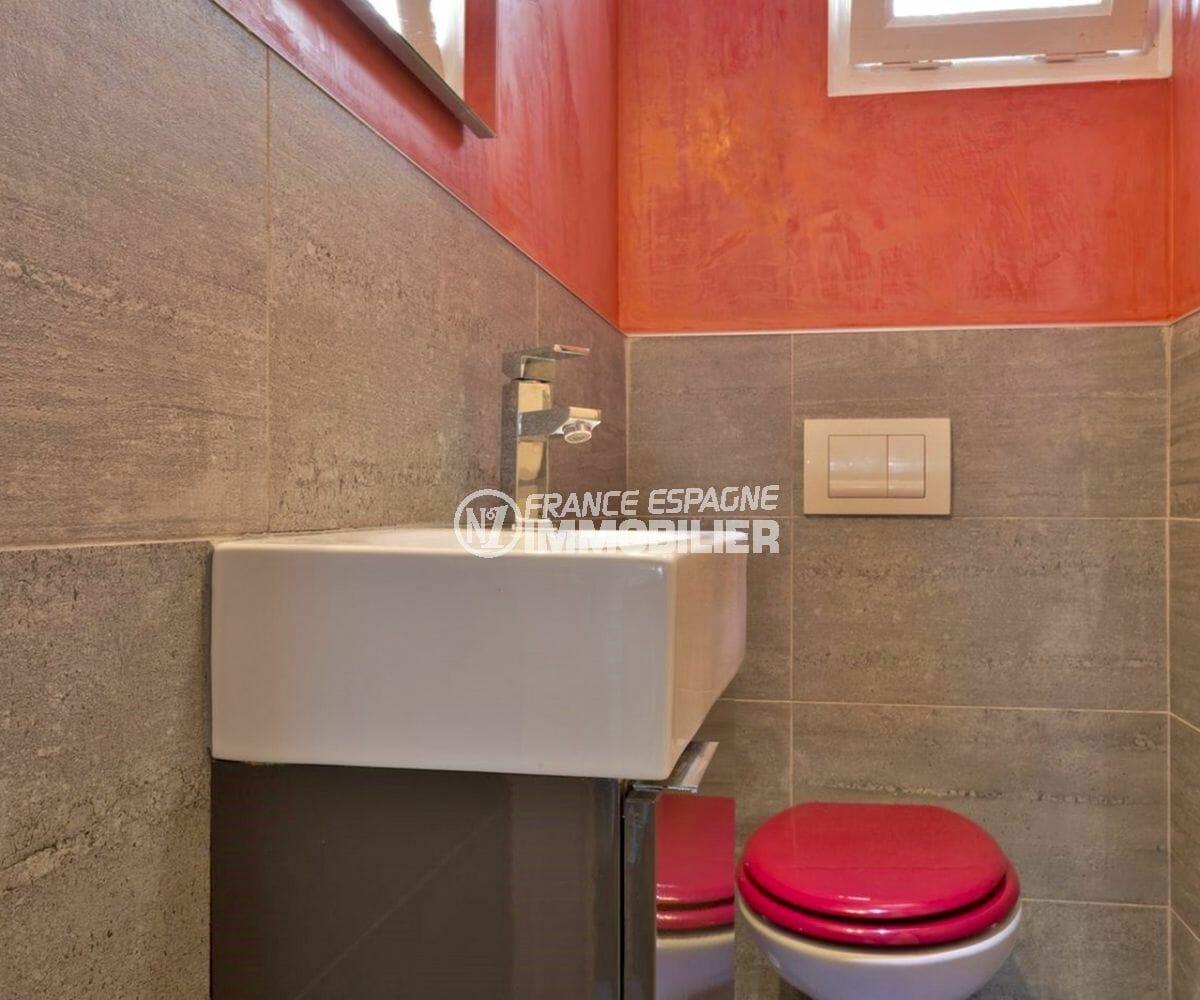 empuriabrava immobilier vente: villa parking, wc indépendant avec meuble vasque