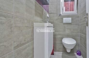 acheter maison espagne costa brava, secteur prisé, wc indépendant avec meuble vasque