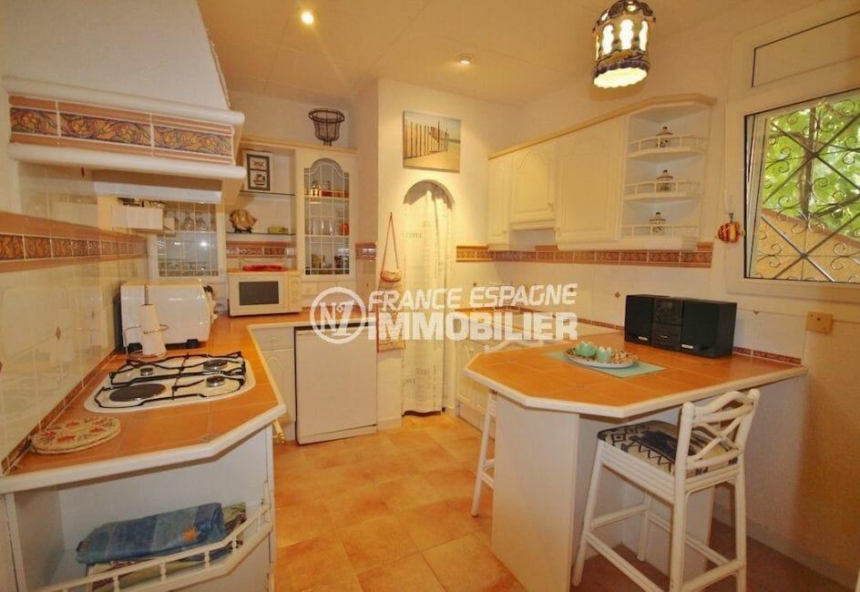 immo center roses: villa proche plage, appartement indépendant , cuisine indépendante