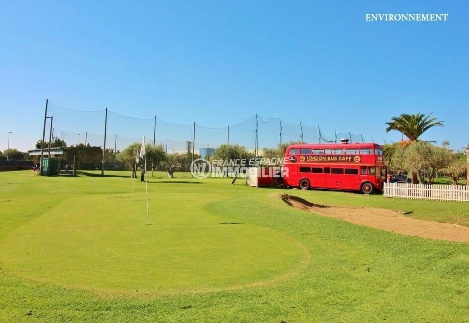 terrain de golf et animations aux environs