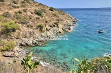 magnifique vue de la mer et des falaises aux alentours