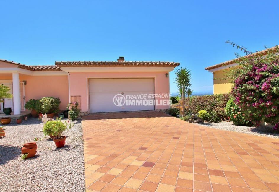 costa brava immobilier: villa vue mer, 300 m² sur jardin 1364 m² dans secteur calme proche roses