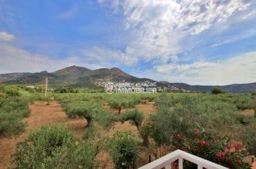 immobilier rosas: appartement vue dégagée, secteur calme, parking, proche plage