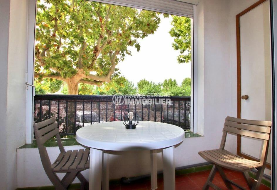 acheter appartement empuriabrava, proche plage, aperçu de la terrasse avec vue dégagée