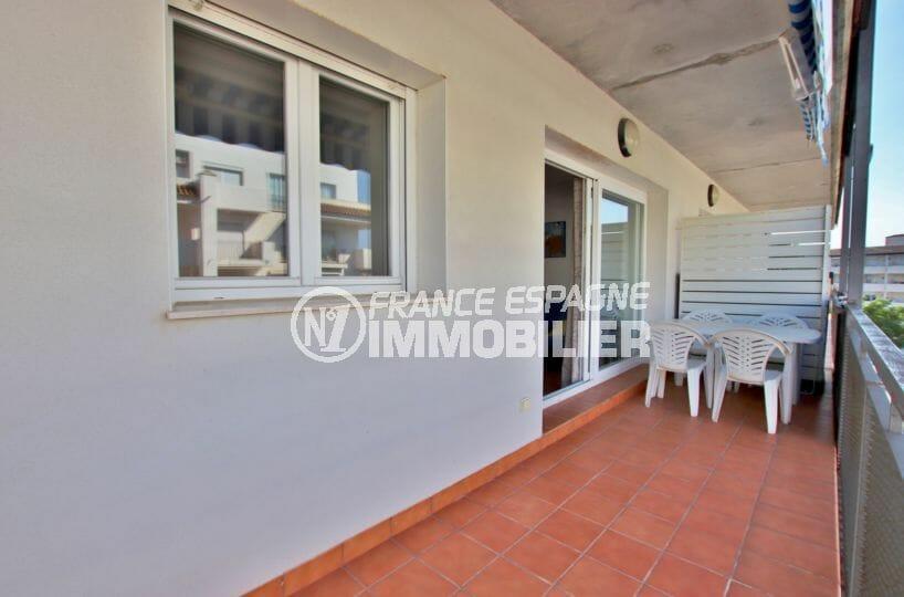 immobilier rosas: appartement résidence avec piscine, terrasse, proche plage et commerces