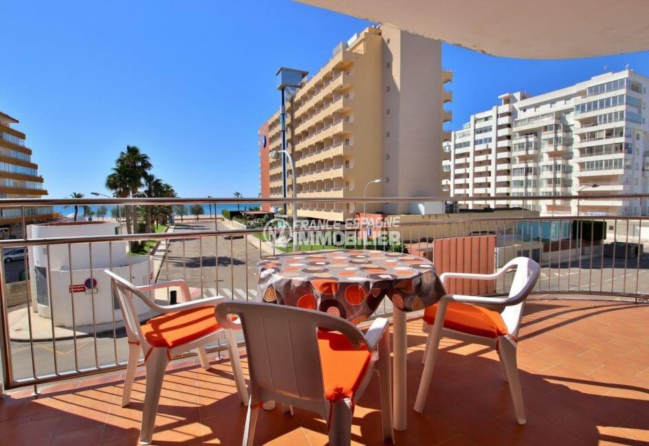 agence immobiliere costa brava: appartement 34 m², terrasse avec coin détente accès salon