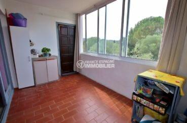 appartement a vendre rosas, parking, aperçu de la terrasse véranda de 9 m², vue dégagée
