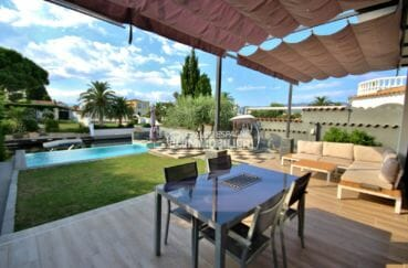 maison a vendre empuria brava, proche plage, terrain de 499 m² avec piscine