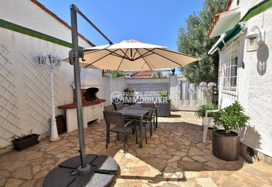 maison a vendre empuriabrava, appartement indépendant, vue sur la terrasse terrain de 201 m²