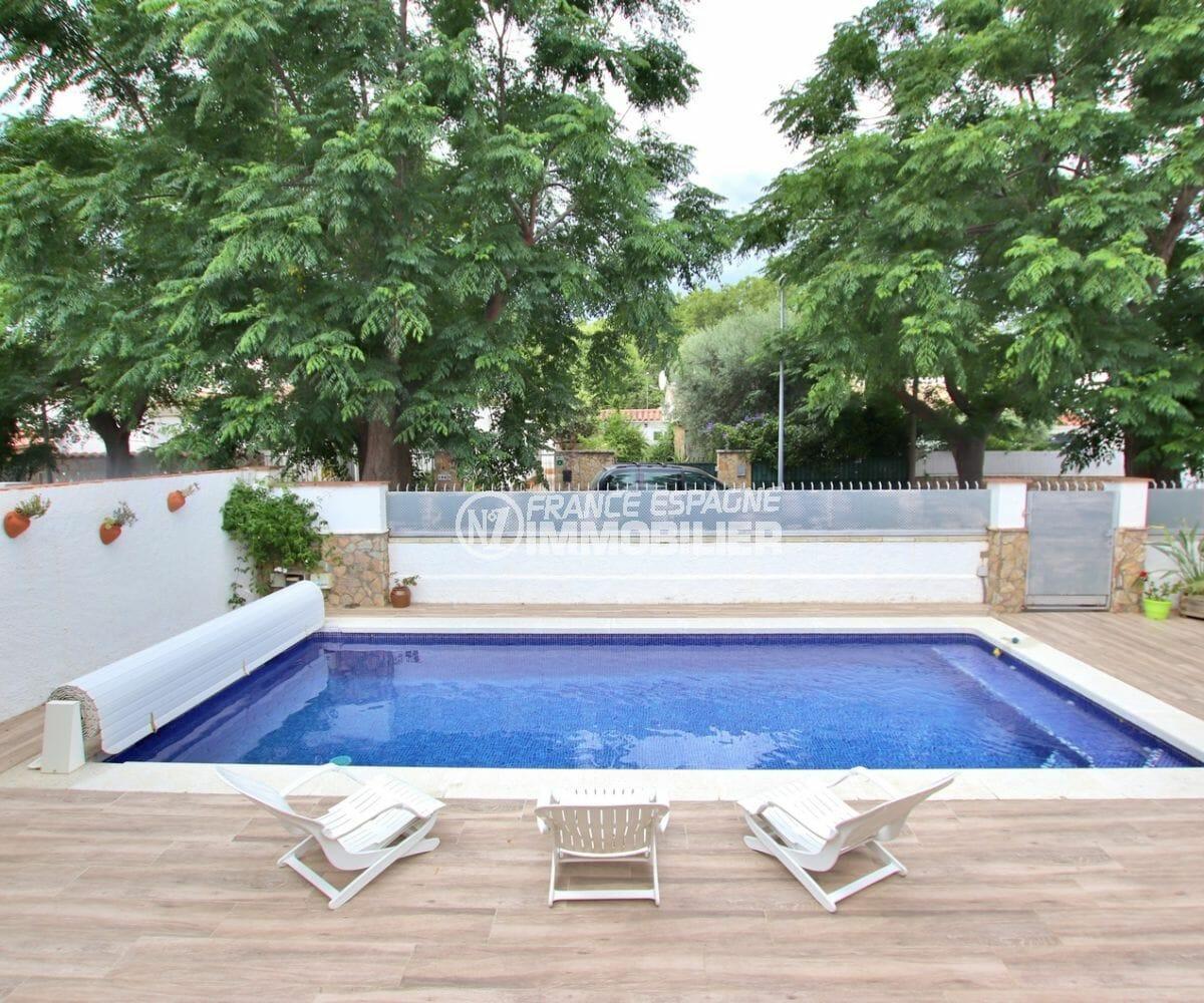 maison a vendre empuriabrava, 215 m², piscine de 8 m x 4 m au sel avec pompe à chaleur
