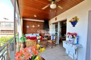 appartement a vendre rosas, proche plage, première terrasse de 25 m² coin détente aménagé