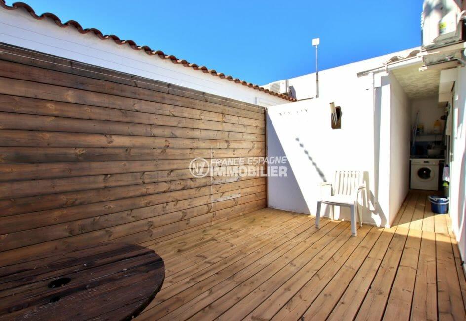 maison a vendre rosas, possibilité piscine, deuxième terrasse avec coin buanderie aménagé