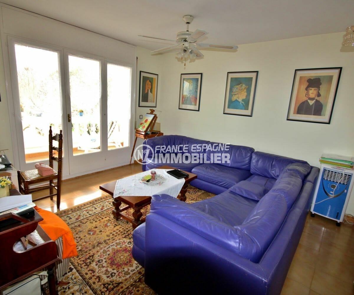 vente appartement empuriabrava, parking, salon / séjour avec rangements accès terrasse
