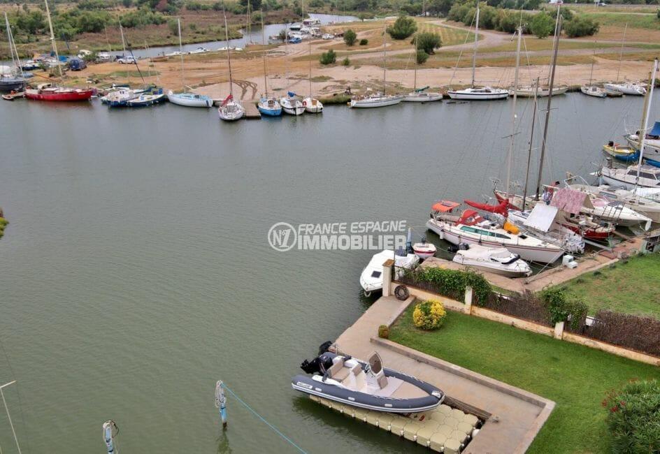immo roses: appartement 53 m², belle vue sur la marina depuis la terrasse