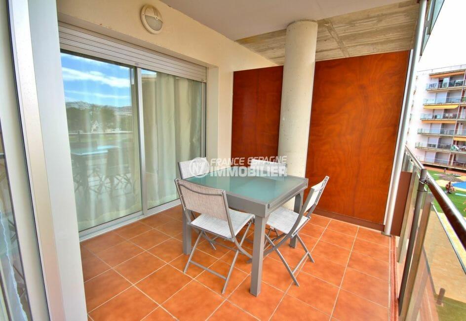 appartement a vendre rosas, amarre, terrasse de 10 m² avec vue mer et canal