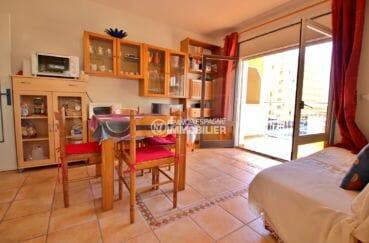 agence immobilière costa brava: appartement 34 m², salon / séjour coin repas accès terrasse