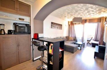 agence immobiliere costa brava: studio 30 m², cuisine ouverte sur salon / séjour lumineux