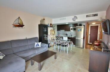 agence immobilière costa brava: appartement 57 m², salon / séjour avec cuisine ouverte