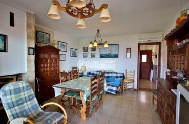 agence immobiliere roses: appartement 65 m², salon / séjour avec coin repas