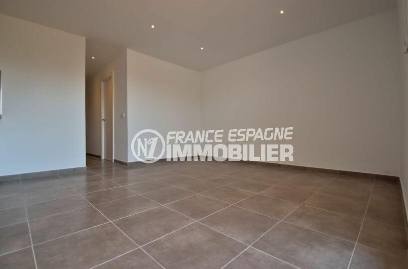 agence immobiliere costa brava: appartement 34 m², salon / séjour accès terrasse vue marina