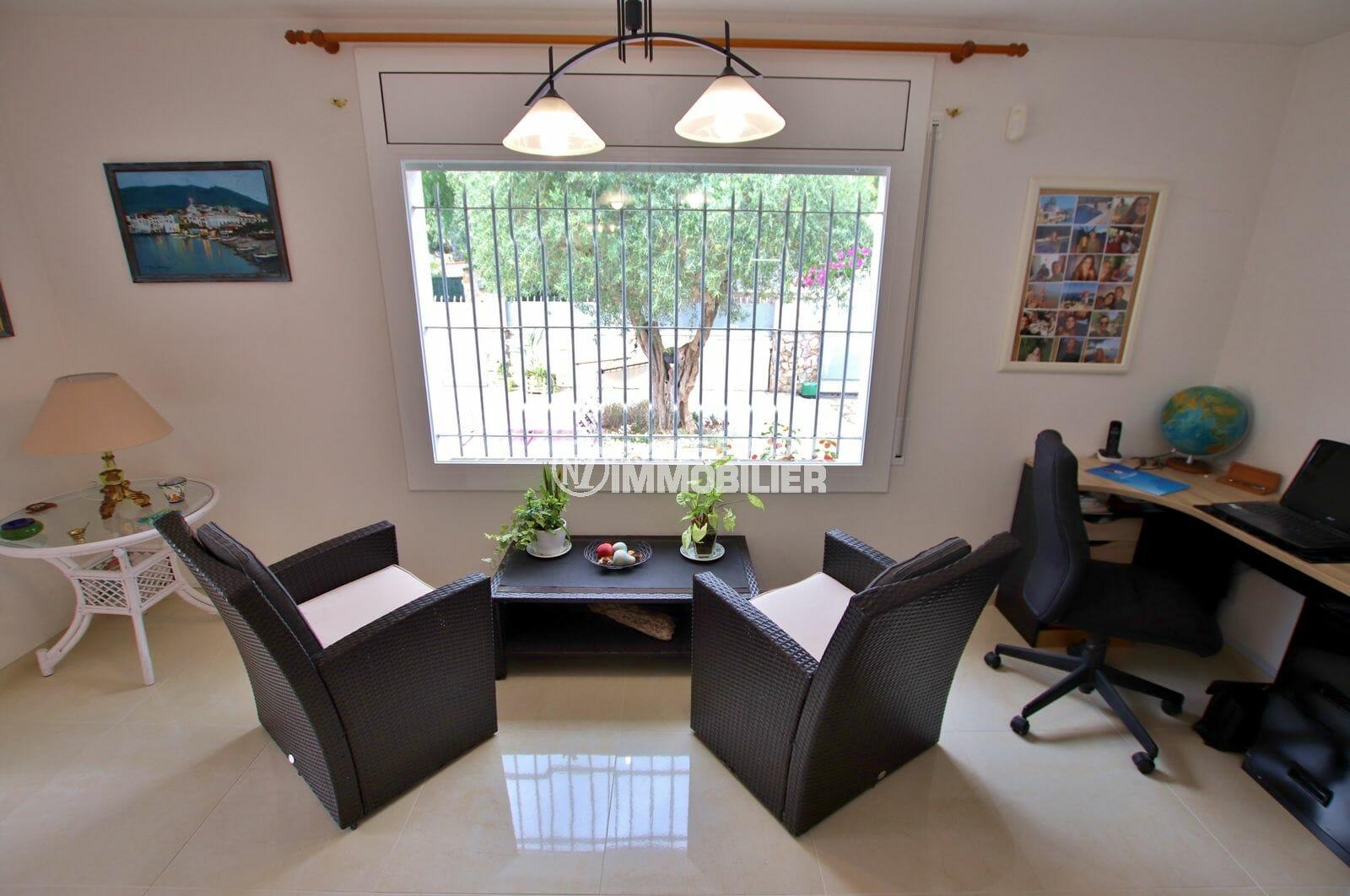 maison a vendre a empuriabrava, proche plage, coin détente et bureau aménagé