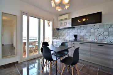 agence immobilière roses: appartement 53 m², cuisine ouverte équipée accès terrasse