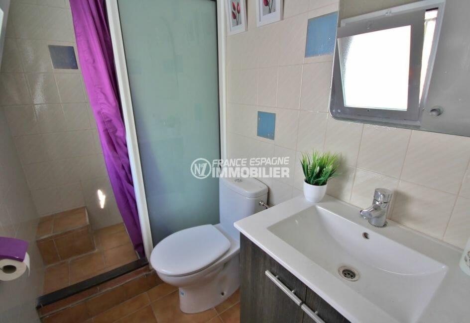 maison a vendre a rosas, 57 m², salle d'eau avec douche, vasque et wc