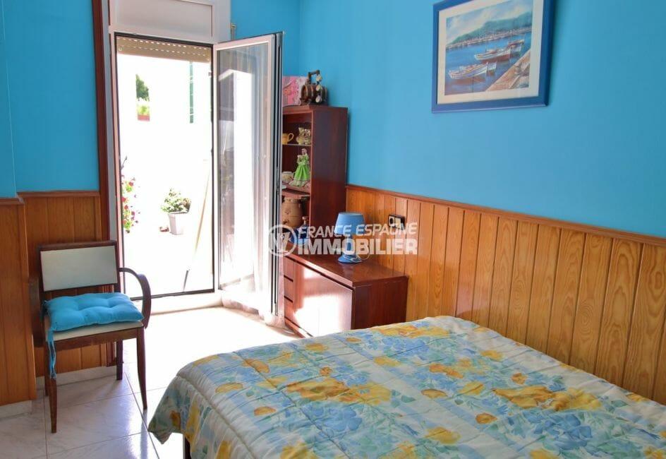 appartement a vendre a rosas, proche plage, deuxième chambre avec accès terrasse