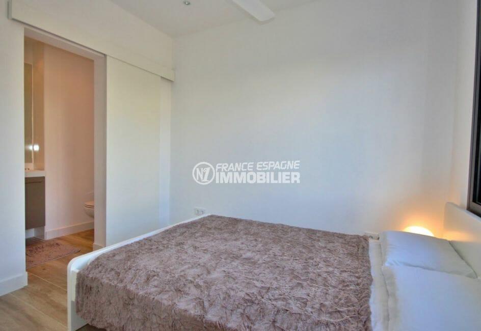 maison a vendre espagne, 179 m², première suite parentale lit double salle d'eau attenante
