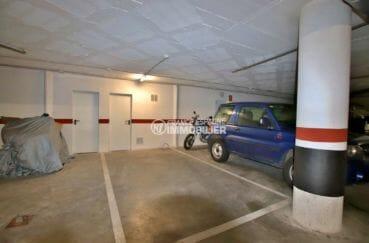 achat appartement rosas, piscine, aperçu de la place de parking en sous-sol