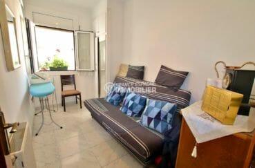 achat appartement rosas, possibilité garage, troisième chambre avec canapé convertible