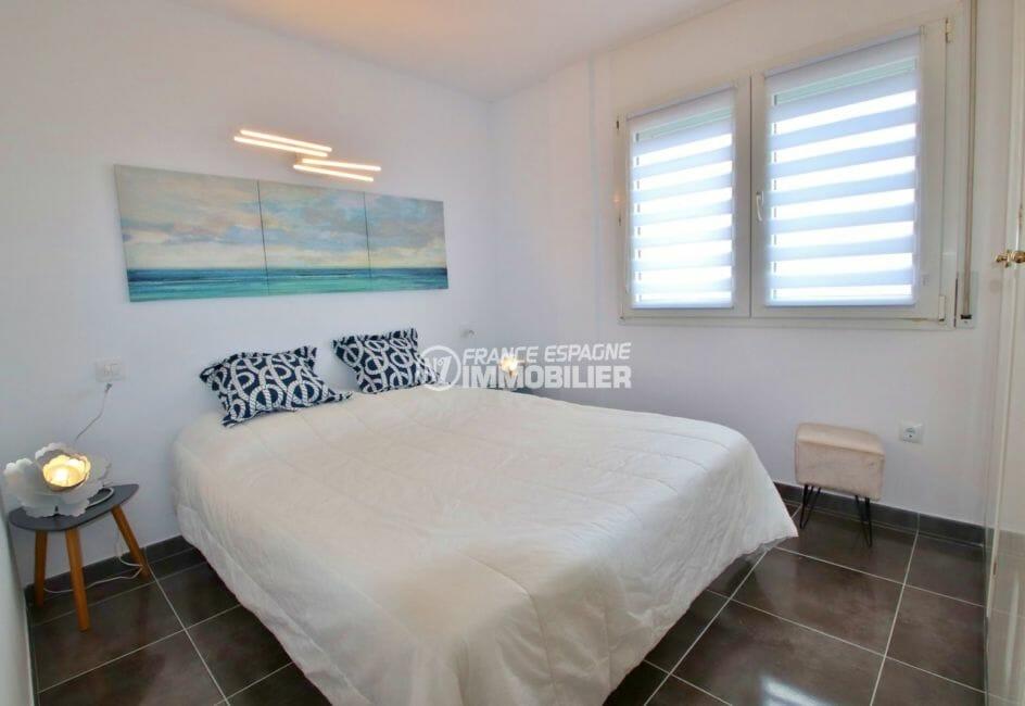 achat appartement rosas, possibilité garage, deuxième chambre avec lit double et placards