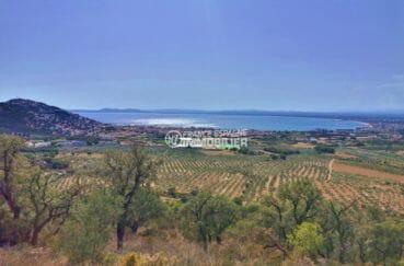 roses espagne: appartement 33 m², vue sur la mer et les montagnes depuis la terrasse véranda