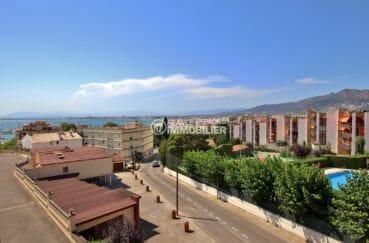 roses espagne: appartement 65 m², vue dégagée sur la mer depuis la terrasse