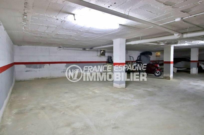 appartement à vendre à rosas espagne, 53 m², aperçu de la place de parking de 30 m² en sous-sol