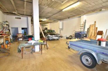 immocenter roses: appartement 121 m², possibilité garage pour 2 voitures et rangements