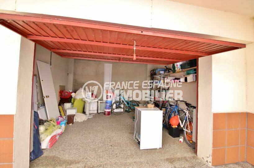 la costa brava: appartement 53 m², aperçu du garage avec des rangements