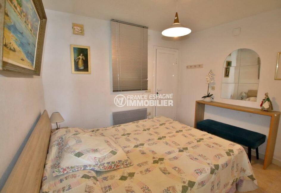 immobilier a empuriabrava: villa  proche plage, première chambre appartement indépendant
