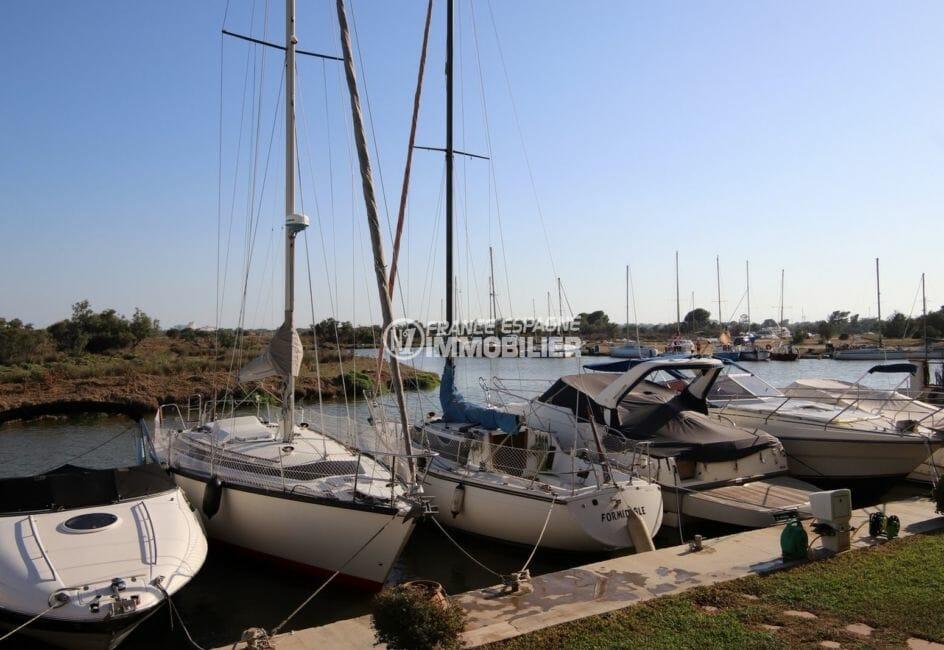 immo center roses: appartement atico, vue sur les voiliers canal à proximité