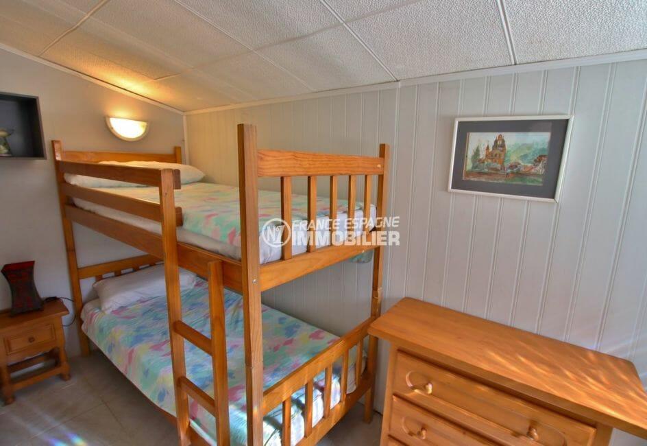 immo costa brava: villa 81 m², deuxième chambre appartement indépendant lits superposés